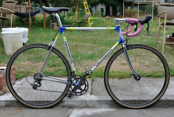 My Cramerotti looked much like this one, but with a red/blue fade at the tube junctions and marble blue bar tape.
