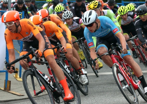 MARIO BARTEL PHOTO The men's race speeds on McAllister Avenue at Friday's PoCo Grand Prix.
