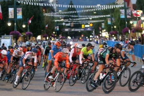 MARIO BARTEL/THE TRI-CITY NEWS The pro men's race speeds around the darkened streets of downtown Port Coquitlam at Friday's Poco Grand Prix.