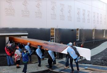 canoe 8w