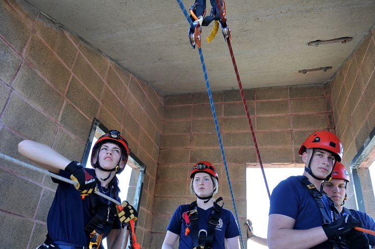 MARIO BARTEL/THE TRI-CITY NEWS The safety crew works the ropes.